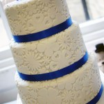 royal-blue-flower-stamp-3-tier-wedding-cake (5)