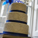 royal-blue-flower-stamp-3-tier-wedding-cake (9)
