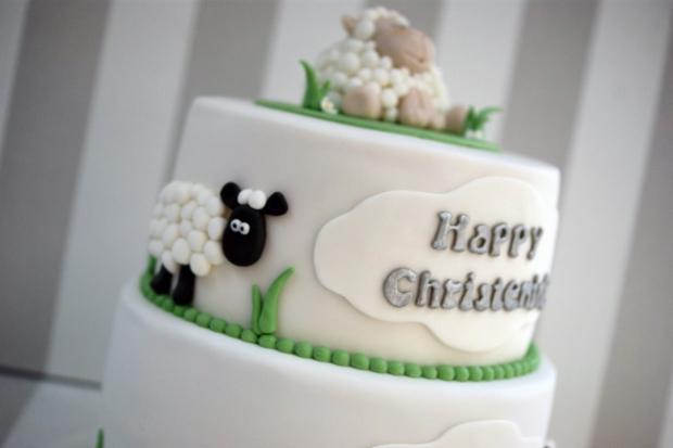 2-tier-sheep-christening-cake (4)