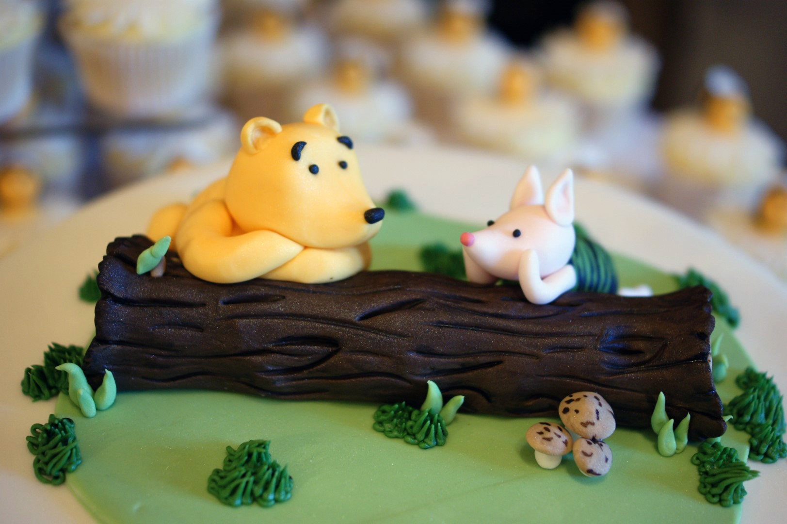 Winnie The Pooh Wedding Cake With Cupcakes 4