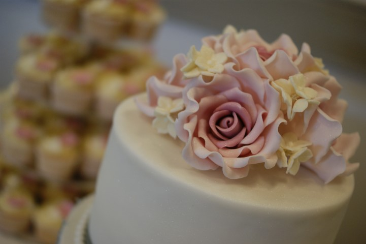 Featured Wedding Cakes Hertfordshire The Poem Wedding Posted 1 Year