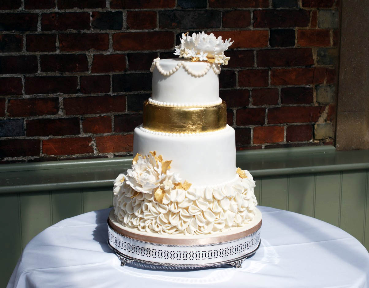how much for 3 tier wedding cake celebration wedding cakes hertfordshire bakealous stevenage 15470