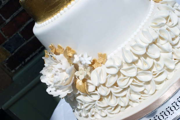 4-tier-gold-wedding-cake (6)