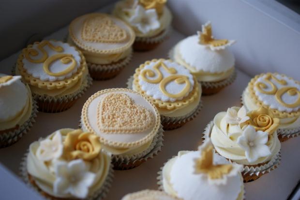 50th-anniversary-cupcakes-2
