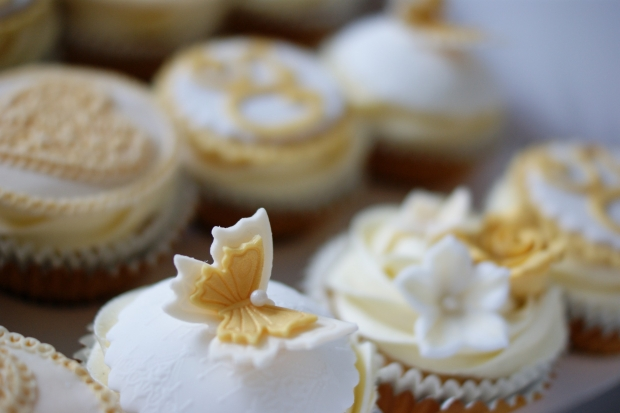 50th-anniversary-cupcakes-3