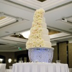 6-tier-wedding-cake-white-iced-fresh-white-roses-13