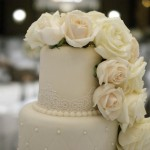 6-tier-wedding-cake-white-iced-fresh-white-roses-17