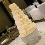 6-tier-wedding-cake-white-iced-fresh-white-roses-34