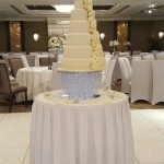 6-tier-wedding-cake-white-iced-fresh-white-roses-6