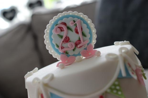 cath-kidston-21st-birthday-cake-1