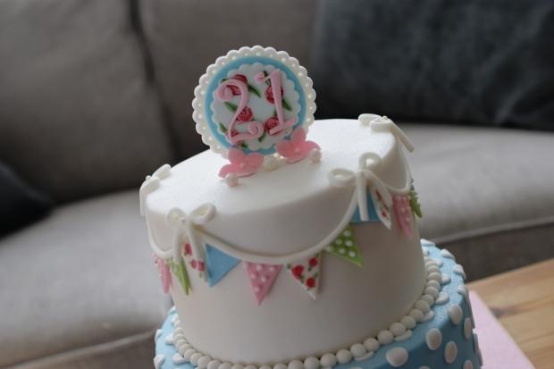 cath-kidston-21st-birthday-cake-2