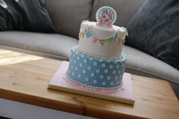 cath-kidston-21st-birthday-cake-3