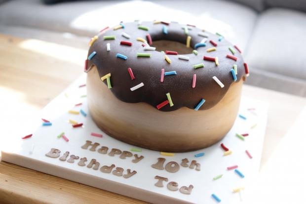 donut-10th-birthday-cake-2
