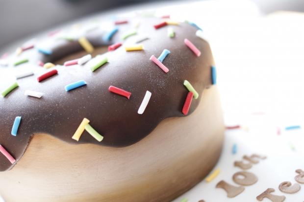 donut-10th-birthday-cake-4