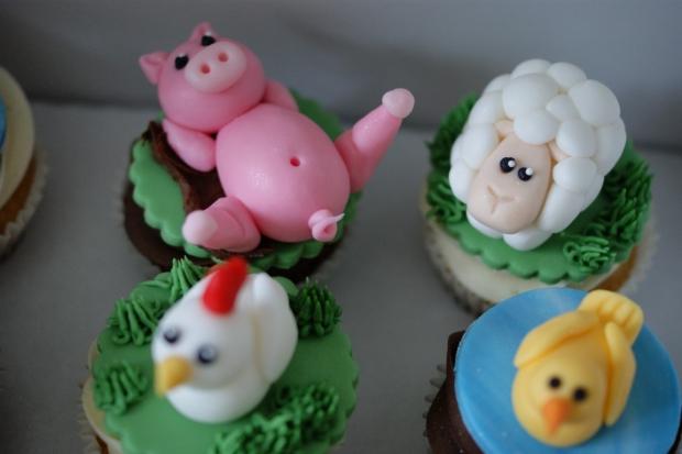 farmyard-cupcakes-1
