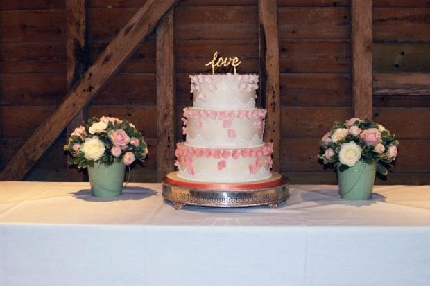 graduation-hydrangea-wedding-cake-1-medium