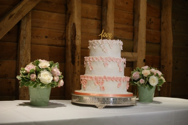 graduation-hydrangea-wedding-cake-6-medium