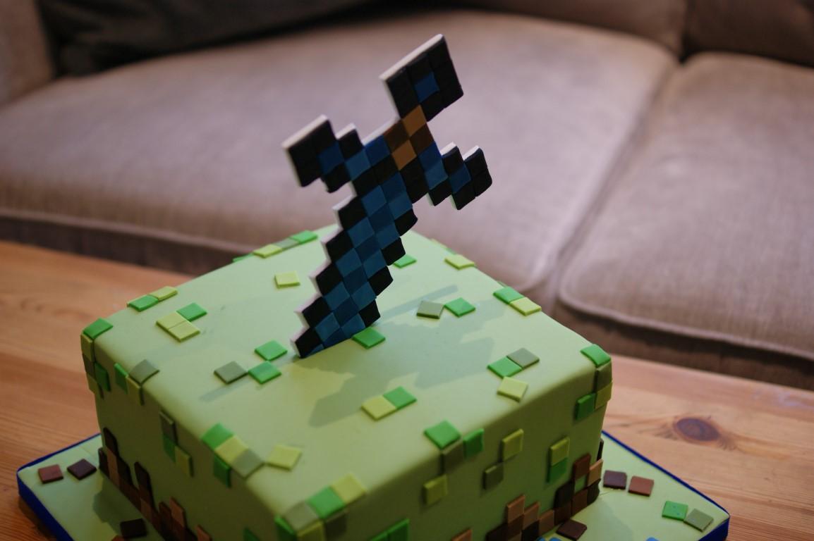 Terrific Minecraft 6Th Birthday Cake 3 Bakealous Personalised Birthday Cards Veneteletsinfo