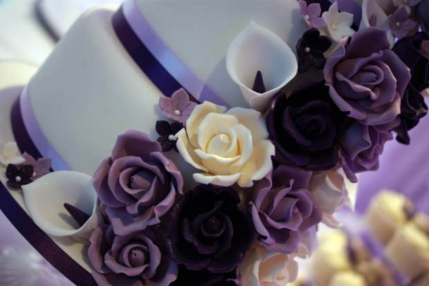 purple-rose-cascade-wedding-cake-10