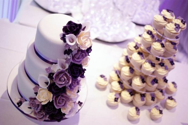 purple-rose-cascade-wedding-cake-11