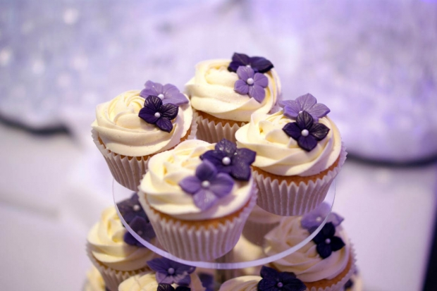 purple-rose-cascade-wedding-cake-12