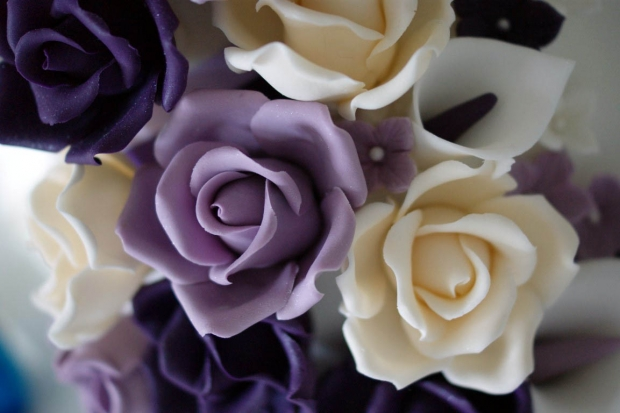 purple-rose-cascade-wedding-cake-4