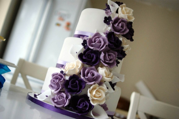 purple-rose-cascade-wedding-cake-5