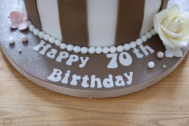 vintage-70th-birthday-cake-1