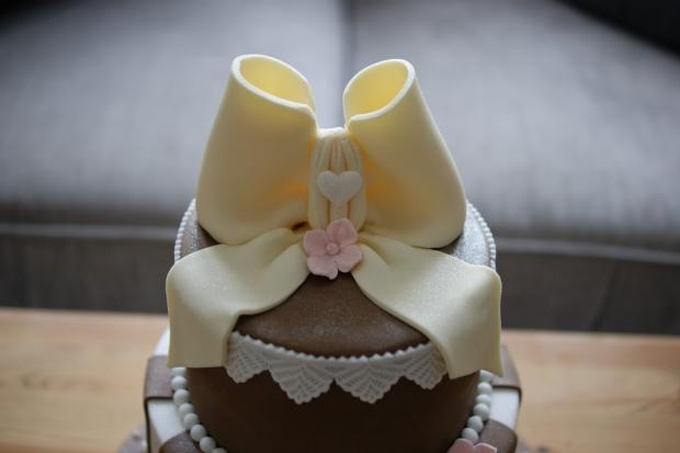 vintage-70th-birthday-cake-3