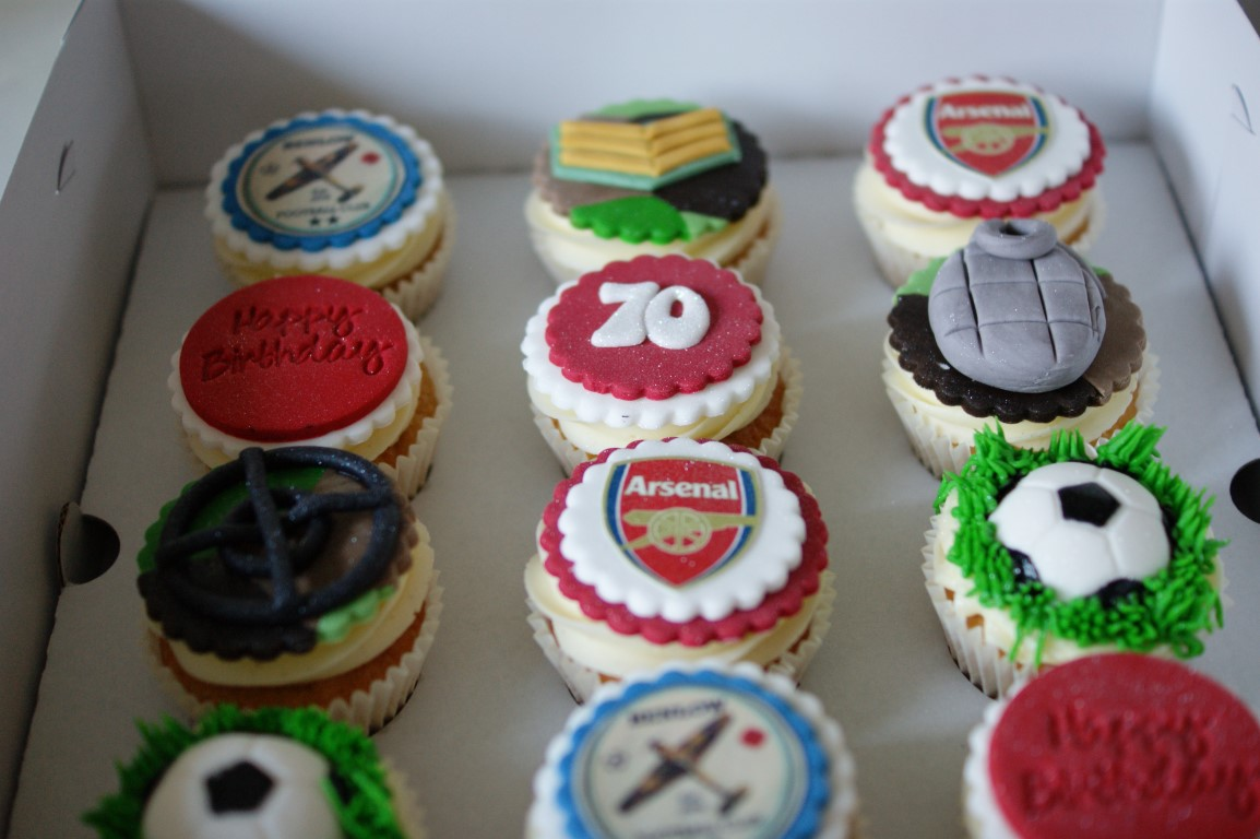 Arsenal Birthday Cake with Cupcakes Bakealous