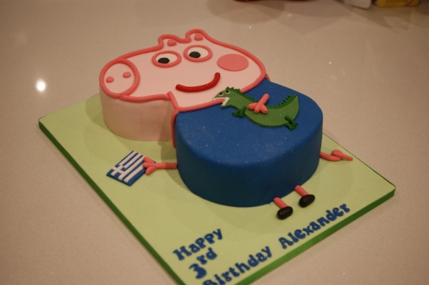 Super Peppa Pig George The Dragon 3Rd Birthday Cake Bakealous Personalised Birthday Cards Paralily Jamesorg