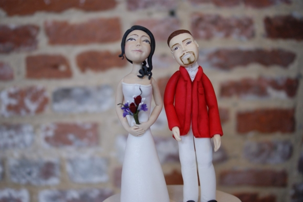 3-tier-wedding-cake-with-character-toppers (15)
