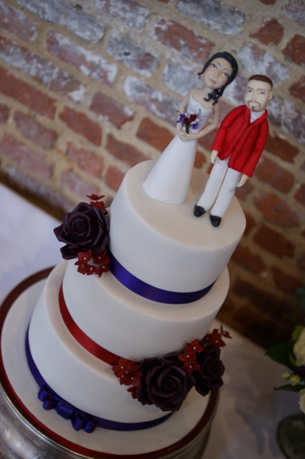 3-tier-wedding-cake-with-character-toppers (16)