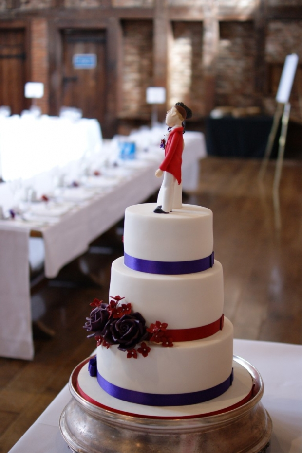 3-tier-wedding-cake-with-character-toppers (4)