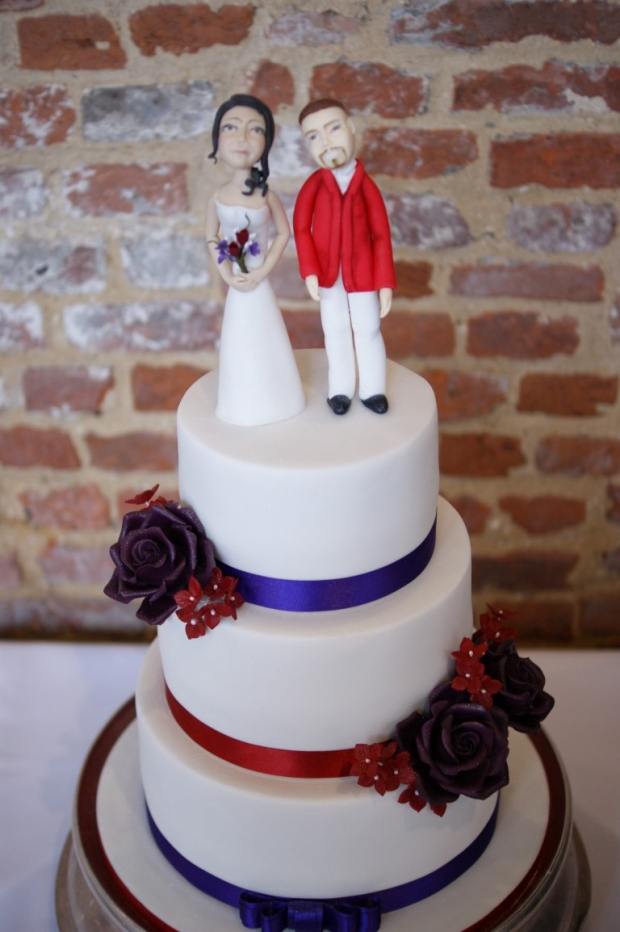 3-tier-wedding-cake-with-character-toppers (8)