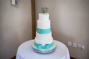 tiffany blue bow wedding cake