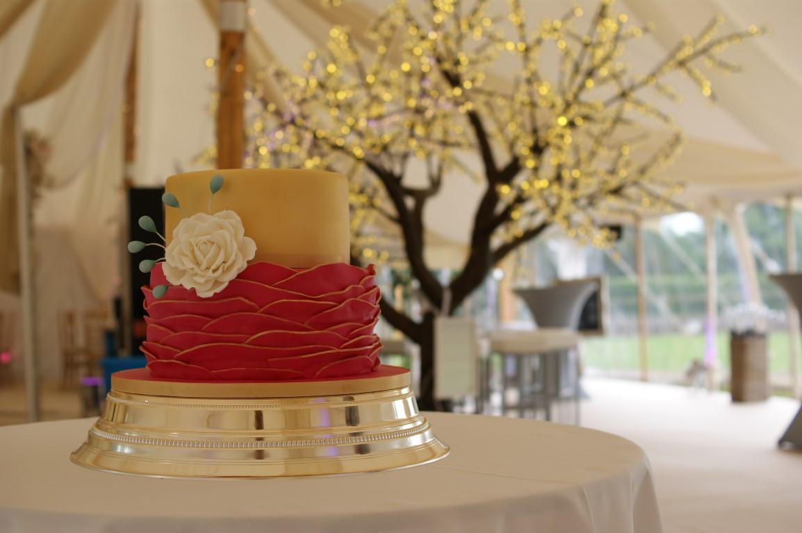 celebration wedding cakes hertfordshire | bakealous stevenage