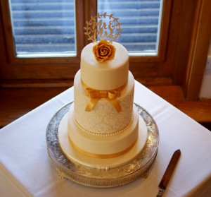 vintage gold lace stencil wedding cake